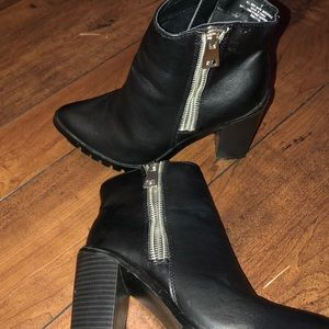 Black Ankle Boots with silver zipper.